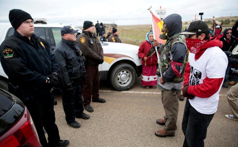 Les Chiens de garde #49 – Les politiques de modération de Facebook, la surveillance des militants à Standing Rock et l'origine de Shadow Brokers